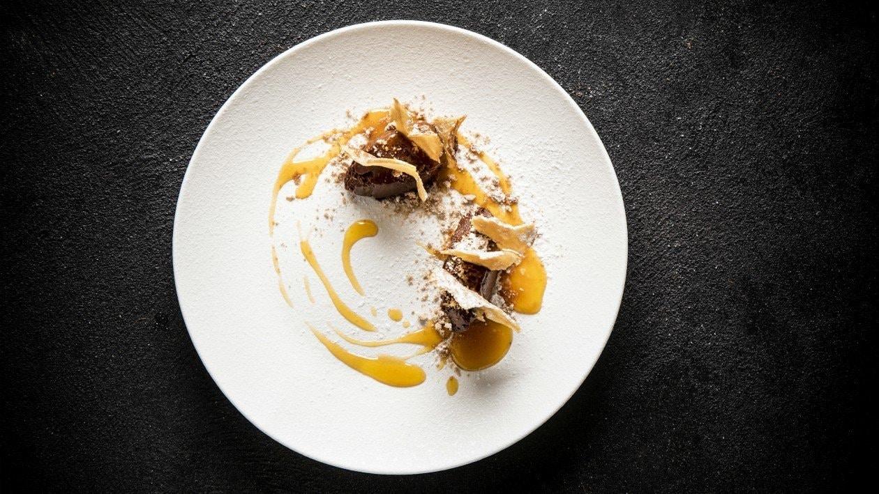 מוס שוקולד קל, קרפ פריך ורוטב פסיפלורה – פוקי בול מתכון להכנת קערת פוקי, מזון רחוב של הוואי אצלכם בצלחת > מתכוני השראה לשפים
